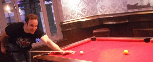 Roy Schestowitz plays pool