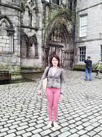holyrood palace and park 5